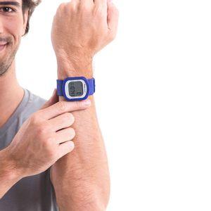 O Relógio Monitor de Exercícios Pedômetro Color Motion R. RM-RE181BL oferece a você praticidade e total controle dos seus treinos.